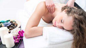 Gydomasis pečių juostos ir sprando masažas