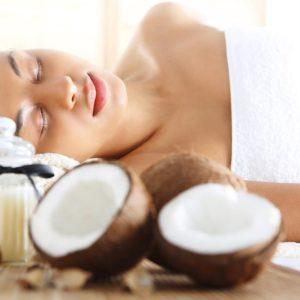 """Kūno šveitimas su lengvu masažu """"Kokosas"""""""