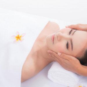 Atjauninantis ajurvedinis veido, galvos, dekoltė ir plaštakų masažas